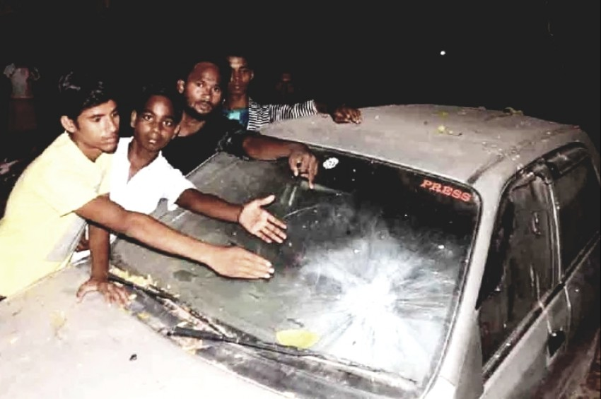 किशोरी को जबरन उठाने की कोशिश, नाकाम होने पर किया बम से हमला