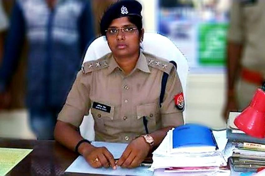 वाराणसी की लेडी पुलिस ने कायम की बहादुरी की मिसाल, बचाई कई जिंदगियां