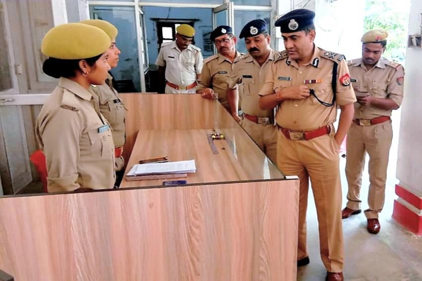 आइजी जयनारायण सिंह ने जिले में की कानून-व्यवस्था की समीक्षा