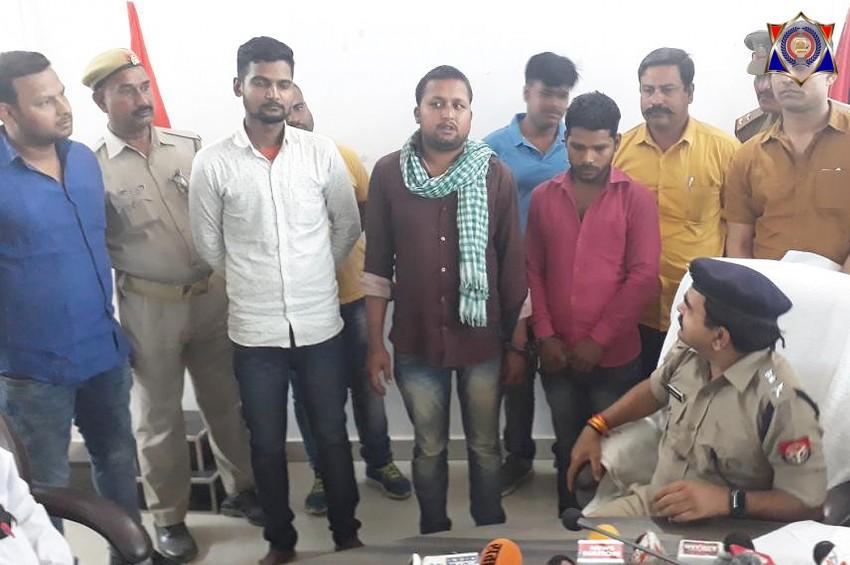 पुलिस और बदमाशों के बीच मुठभेड़ में लूट के सामान समेत तीन बदमाश गिरफ्तार