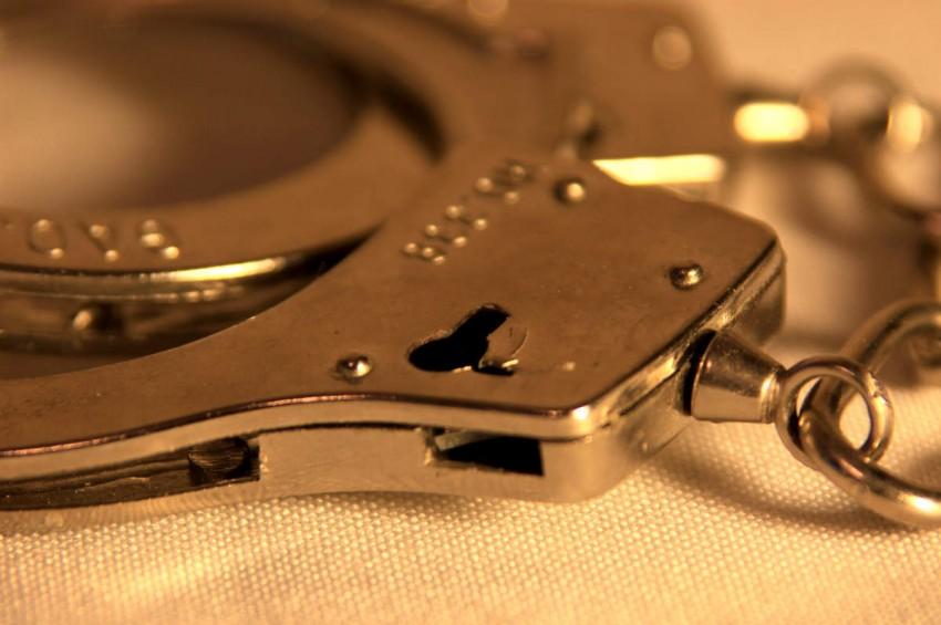 बदमाश की मदद पडी भारी , दरोगा समेत 3 सिपाही गिरफ्तार