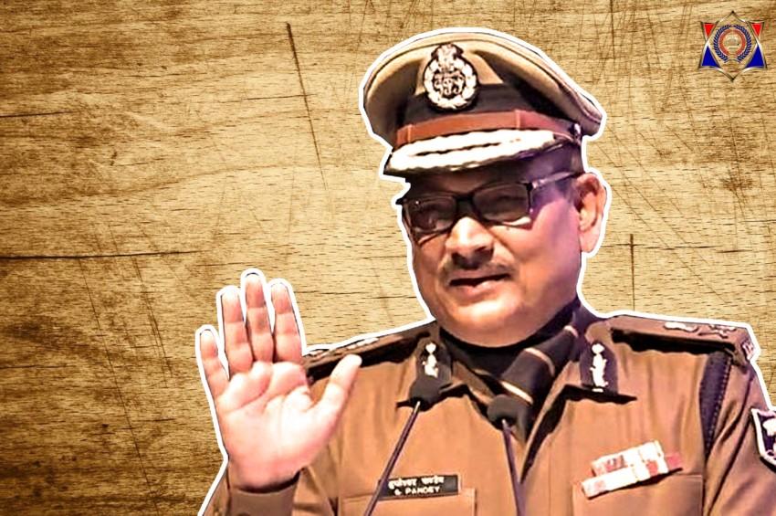 पुलिसकर्मियों के पेंच कसने के लिए DGP गुप्तेश्वर पांडे ने देर रात किया थानों का औचक निरीक्षण, कई पुलिसकर्मियों पर गिरी गाज