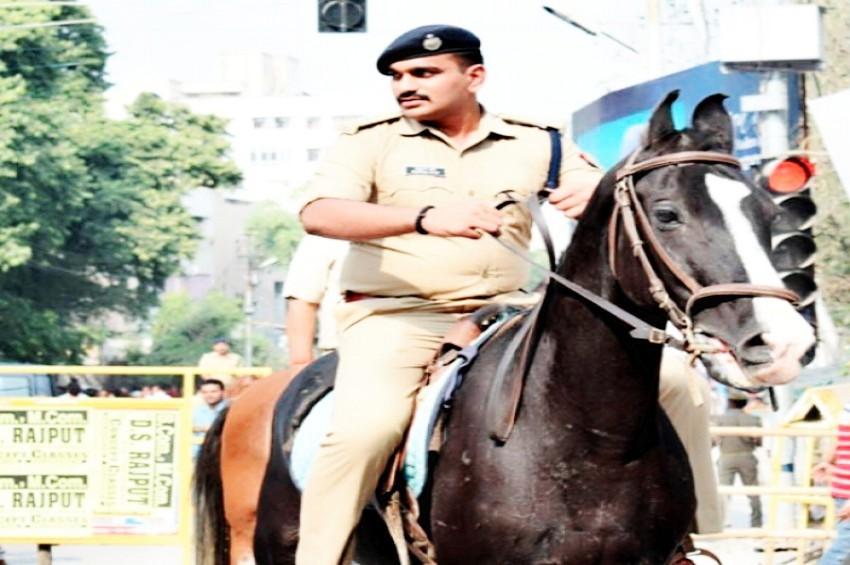 अमेठी की जनता के लिए आया 'सिंघम कप्तान'