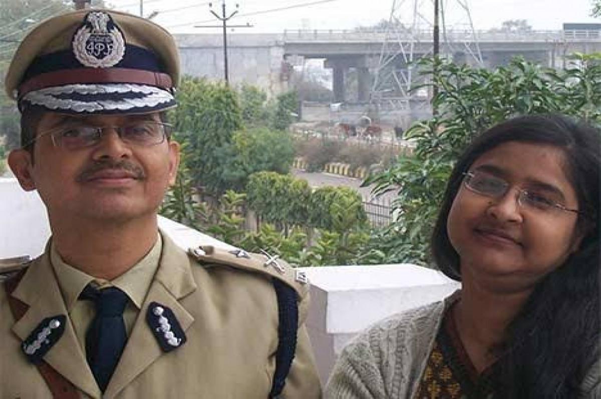 यूपी में तैनात IPS अमिताभ ठाकुर और उनकी पत्नी को रेप केस में फंसाने वालों को कोर्ट ने भेजा जेल