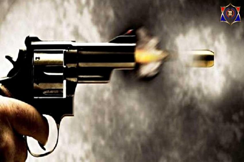 पुलिस से बेखौफ बदमाशों ने की युवक पर फायरिंग, मौके पर ही मौत