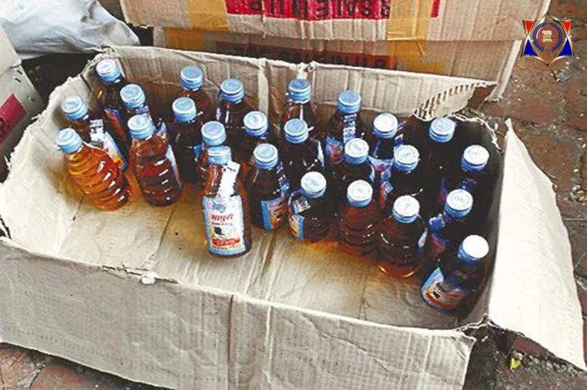 आबकारी विभाग की टीम पर हमला कर महिलाओं ने छुड़ाए शराब माफिया
