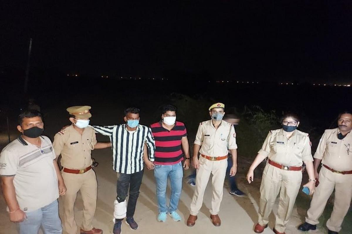 ग्रेटर नोएडा पुलिस ने मुठभेड़ के बाद 25 हजार के इनामी बदमाश को दबोचा