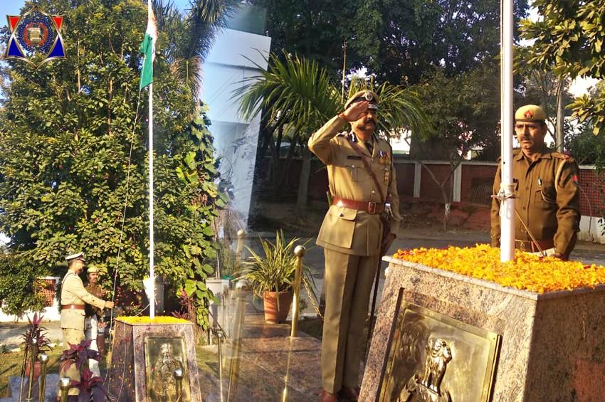 मेरठ जोनल मुख्यालय पर ADG प्रशांत कुमार ने किया ध्वजारोहण