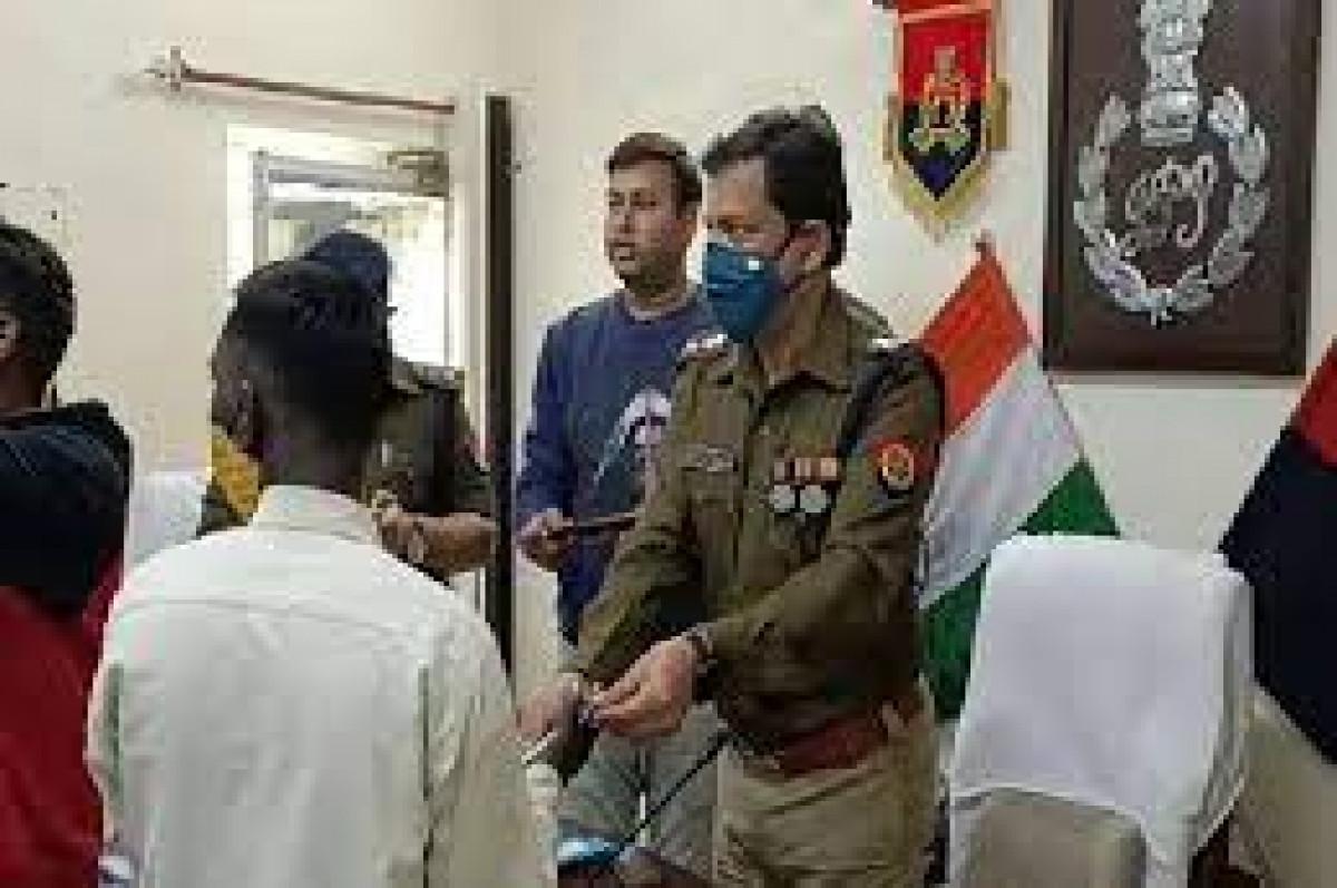 अमेठी पुलिस ने पकड़े लाखो के नकली नोट