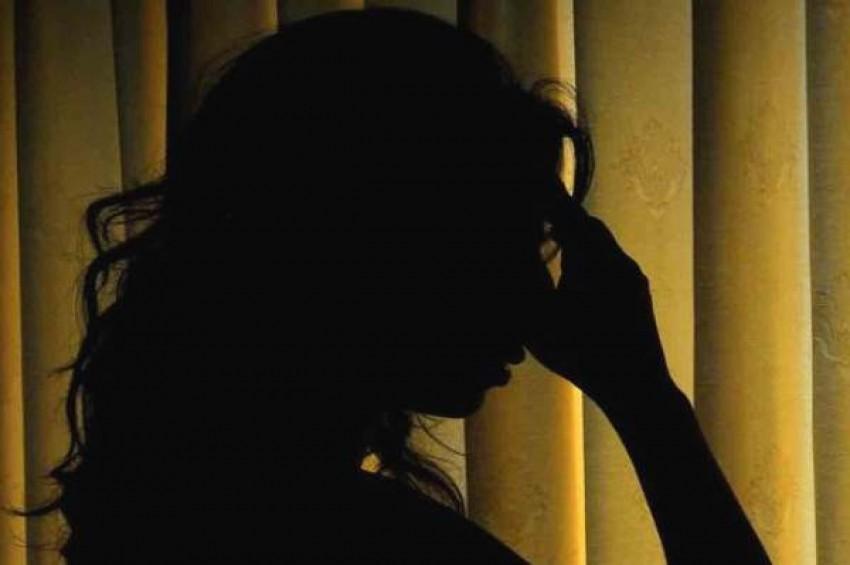 कांग्रसे नेता, पत्नी को गैर मर्दों के साथ हमबिस्तर होने के लिए करता था मजबूर