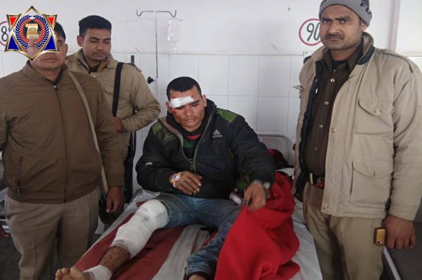 व्यापारी पर फायरिंग करने वाले बदमाश को पुलिस ने मुठभेड़ में किया गिरफ्तार