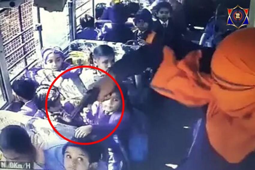 राम राज नहीं गुंडा राज, दिनदहाड़े व्यापारी के जुड़वा बेटों का बंदूक की नोंक पर अपहरण