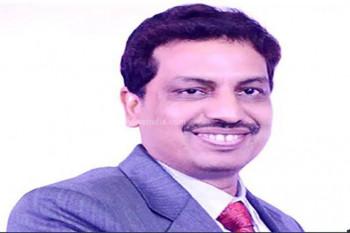 मतगणना के दौरान बेहोश हुए IAS अफसर अजय कुमार सिंह, योगी सरकार ने पत्नी को हेलीकॉप्टर से भेजा