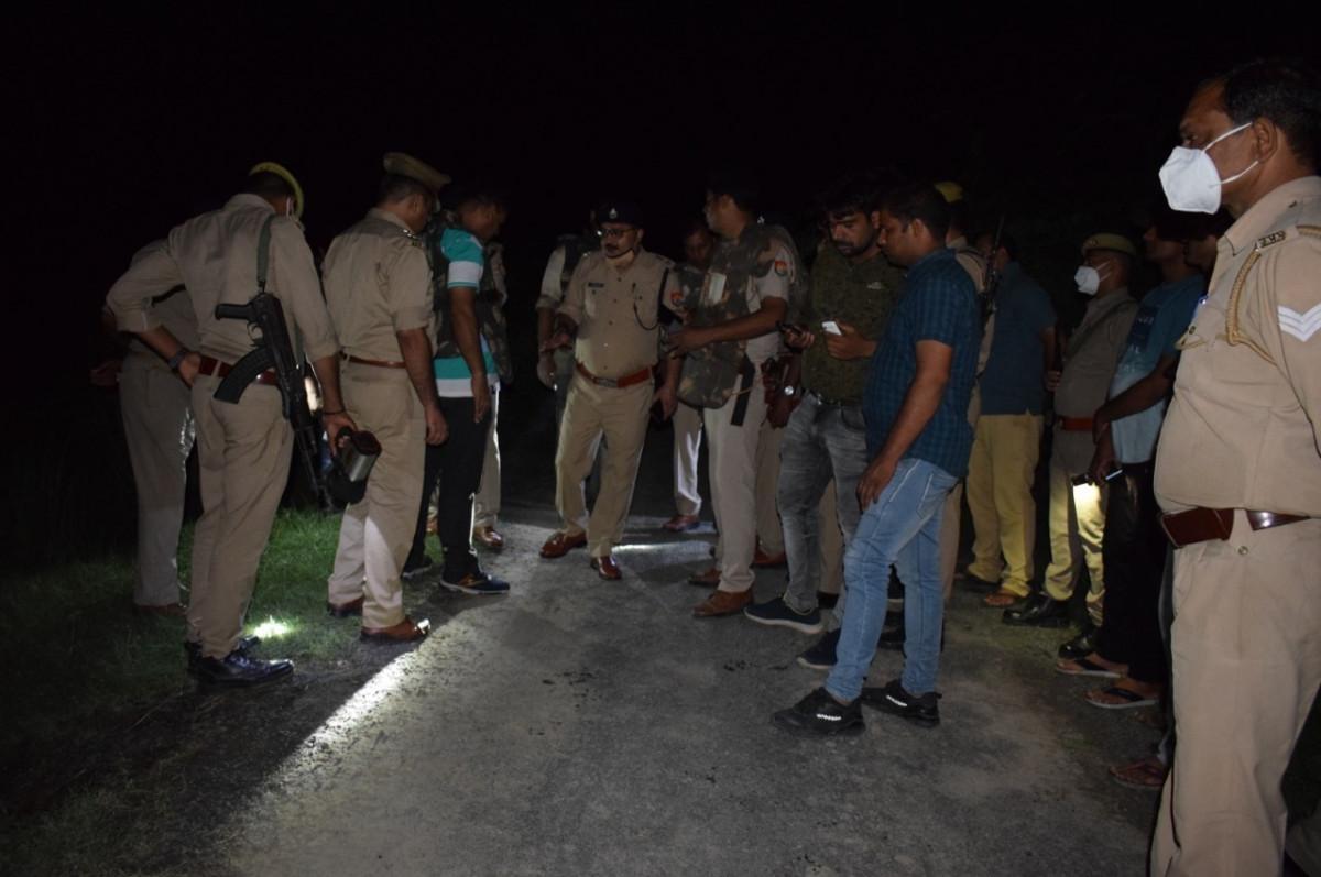पुलिस और बदमाशों के बीच मुठभेड़.... लूट की वारदातों को अंजाम देने वाले 3 बदमाश गिरफ्तार