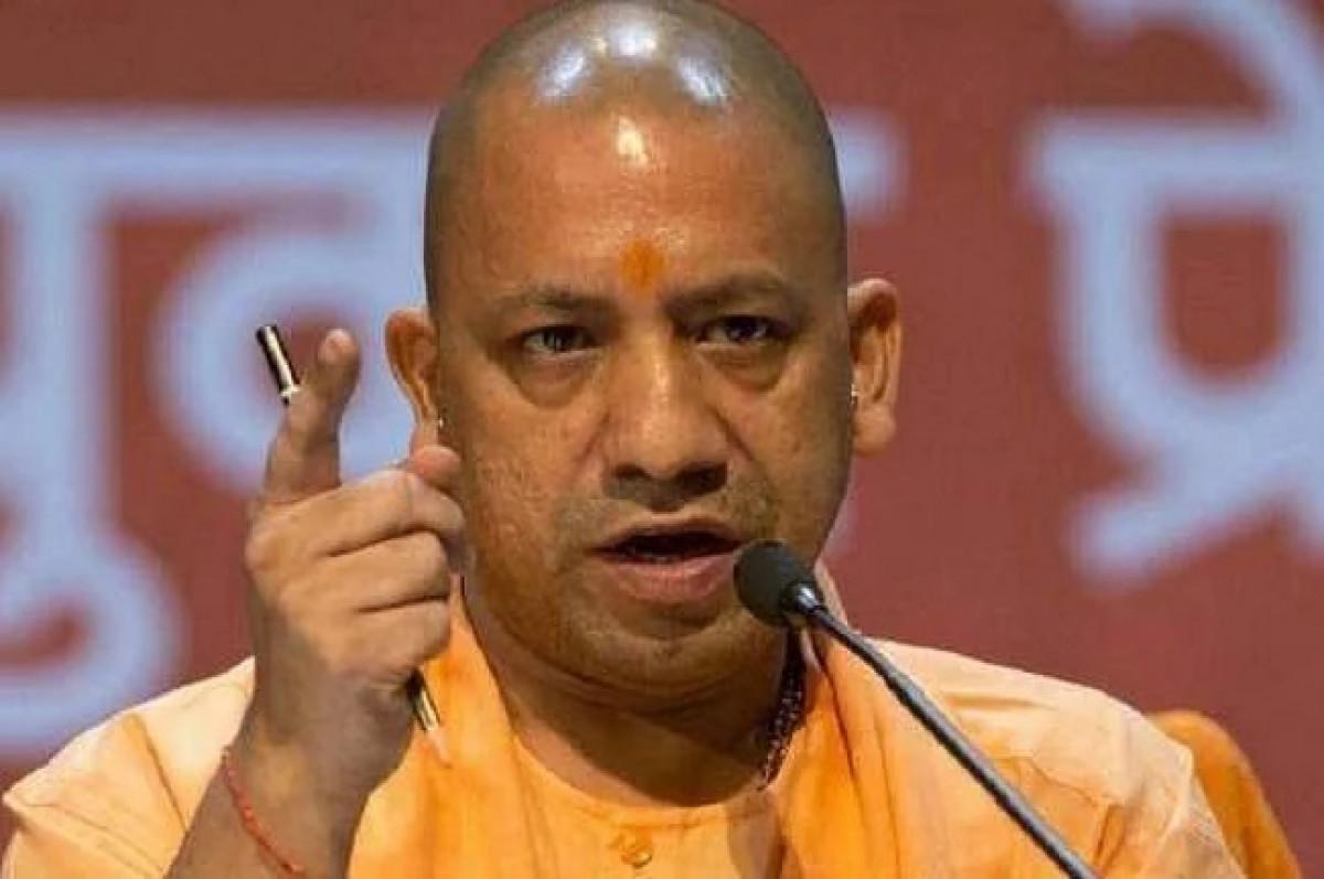 यूपी में जारी है तबादले का दौर, CM योगी के आदेश पर हुआ 18 IAS अफसरों का ट्रांसफर, बदले गए 3 जिलों के DM