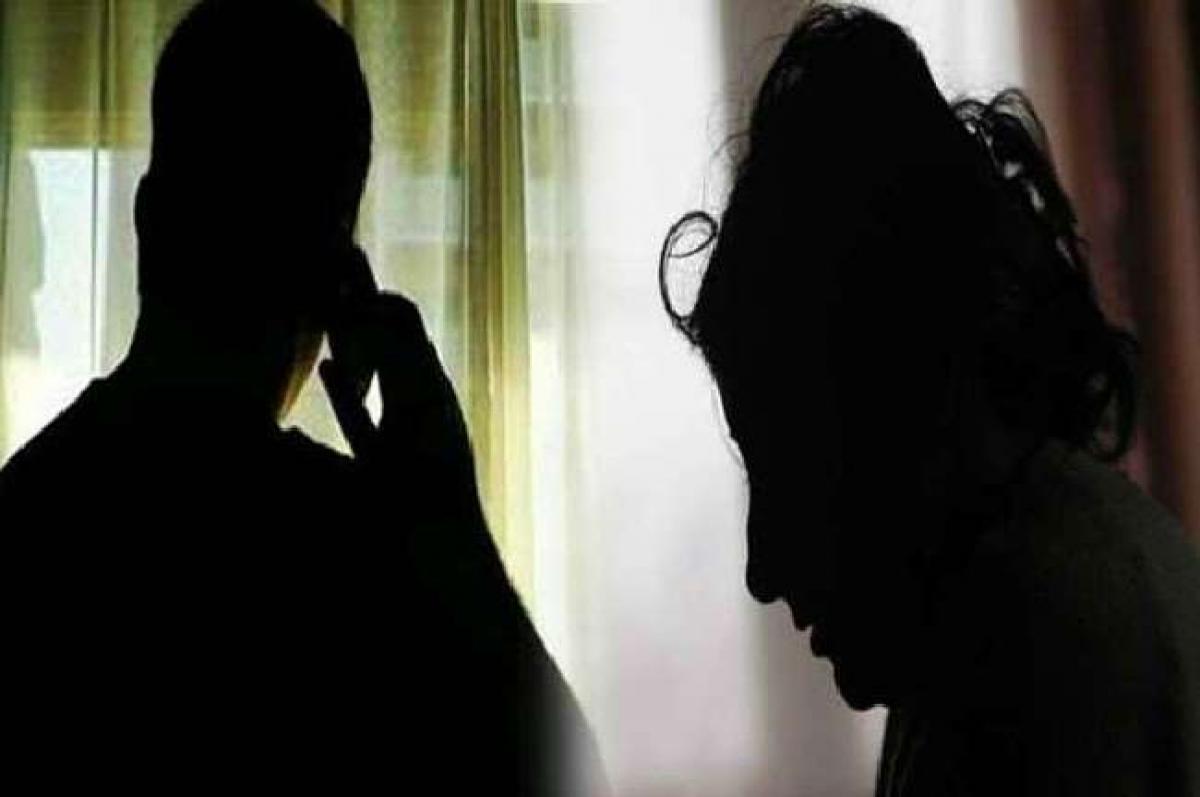 एक ट्वीट ने मचाया पुलिस महकमे में हड़कंप... रात में बेटी को फोन करके परेशान करता है IG