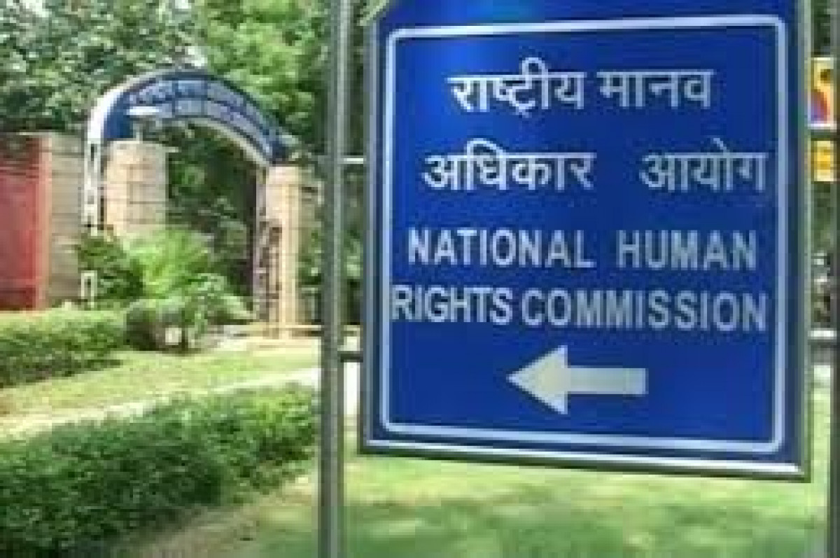 छात्रा से रेप और हत्या मामले में NHRC ने यूपी के मुख्य सचिव और डीजीपी को भेजा नोटिस