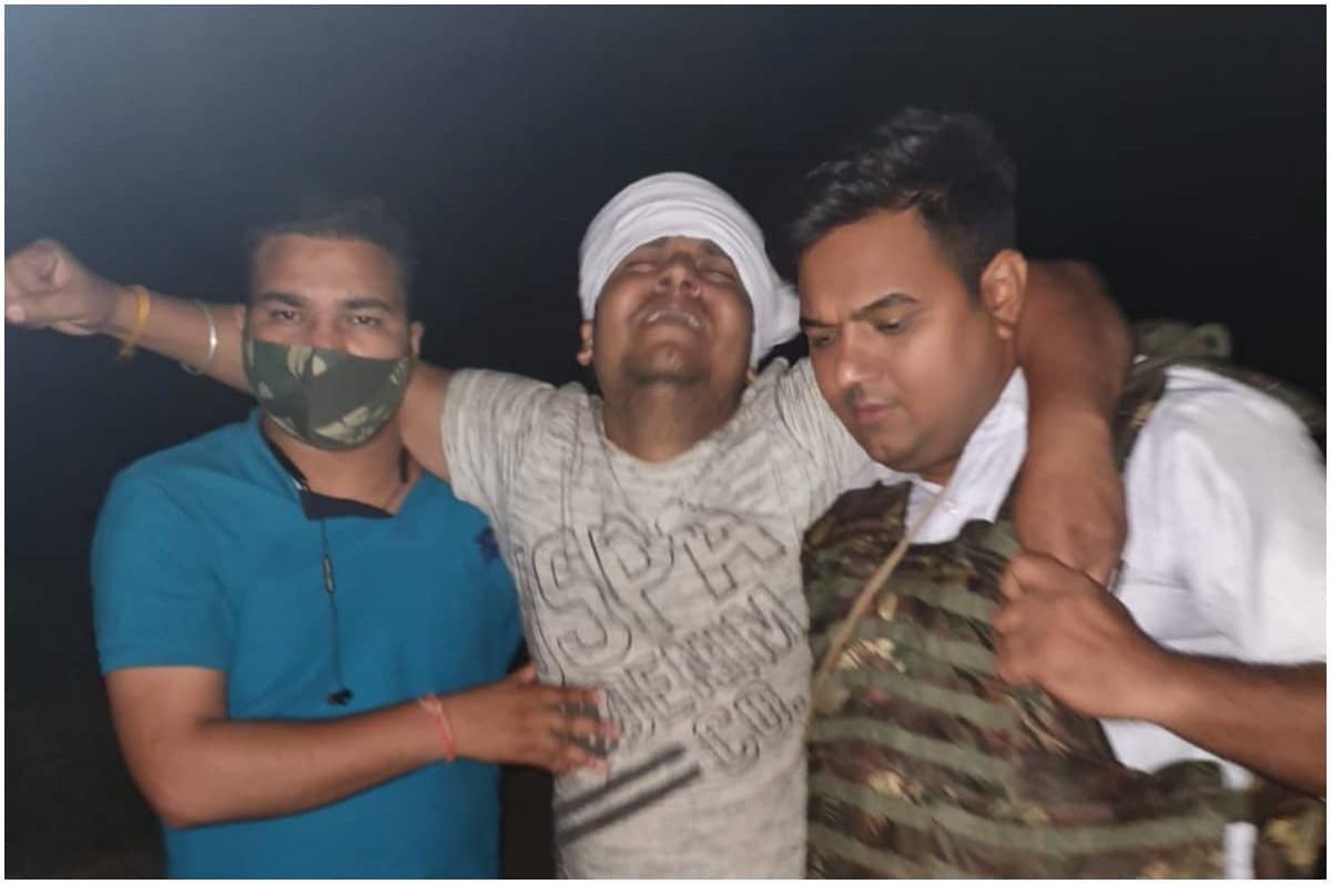 हाथरस पुलिस ने 1 लाख के इनामी समेत 2 बदमाशों को किया गिरफ्तार