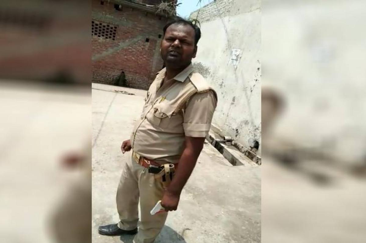 'साहब आपका मास्क कहां है' युवक के पूछते ही सिपाही ने जड़ दिए थप्पड़, वीडियो वायरल